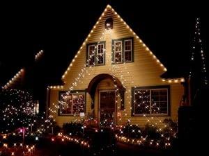 decoración exterior caasa en navidad