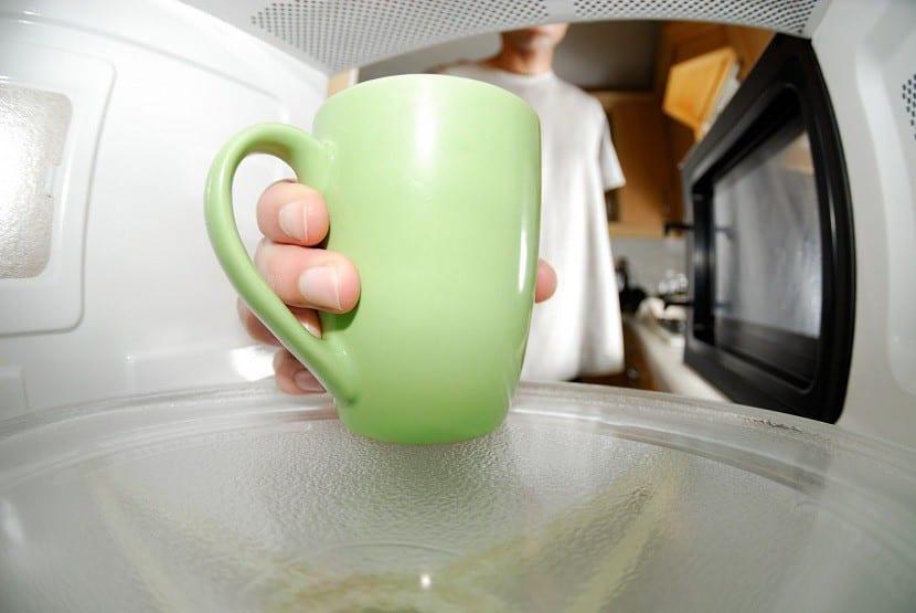 C mo limpiar el microondas - Limpiar parquet con vinagre ...