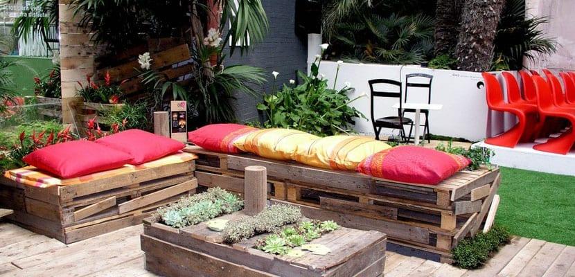 Muebles reciclados en casa ecológica