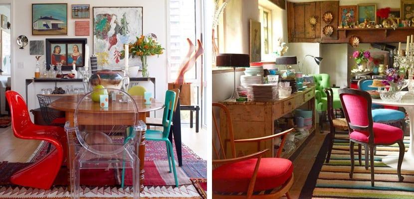 Mesas antiguas con sillas de colores