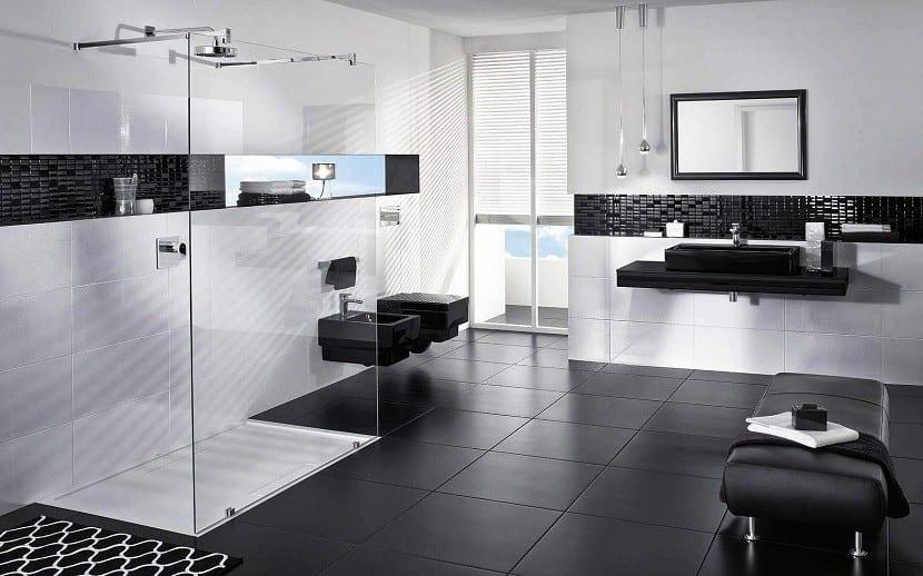 baño-blanco-y-negro