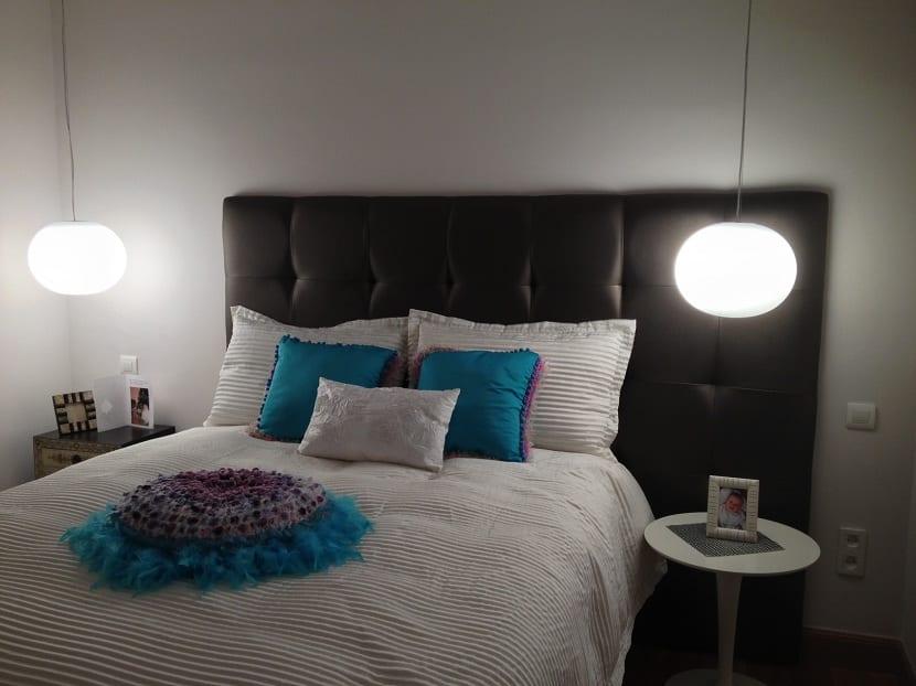 Cómo iluminar la mesita de noche del dormitorio