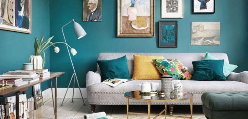 Salón con tonos verdes