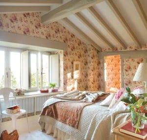 dormitorio_principal_con_papel_de_flores