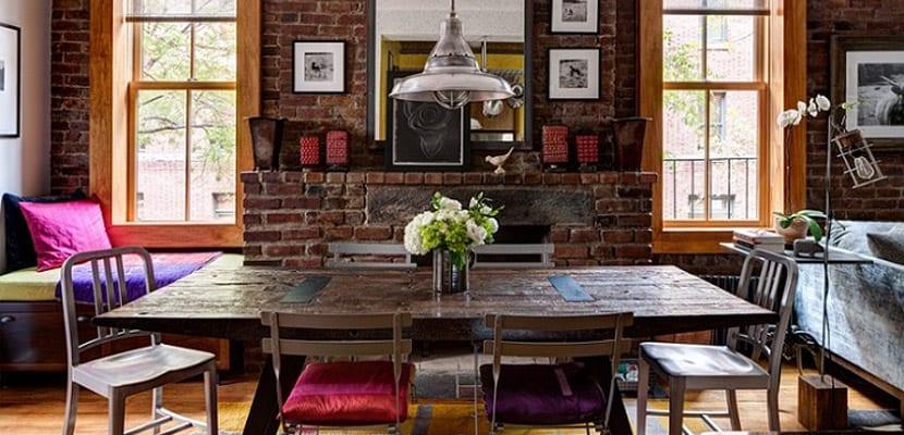 Mesas estilo idnstrial con madera