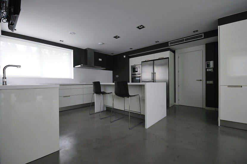 Ideas para el suelo de tu cocina - Cocinas con suelo gris ...