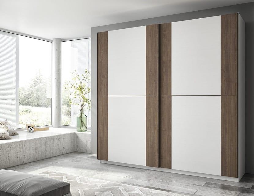 Pros y contras de los armarios con puertas correderas for Armarios de madera baratos