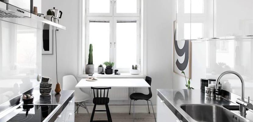 Comedor en blanco y negro