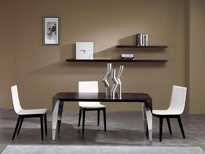 mesas-y-sillas-de-salon-en-blanco-y-negro