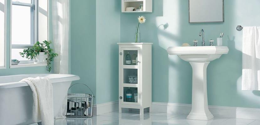 Muebles auxiliares pequeños para el baño