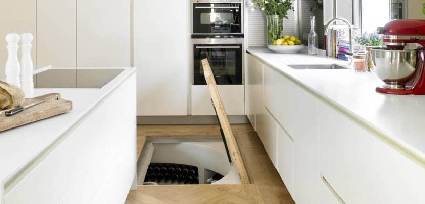 Almacenaje en el suelo de la cocina