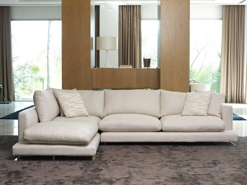 Decoración con sofás de colores neutros