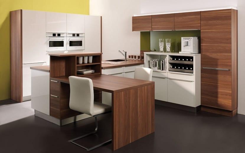3 mesas que no pueden faltar en tu cocina for Cocinas integrales modernas con barra