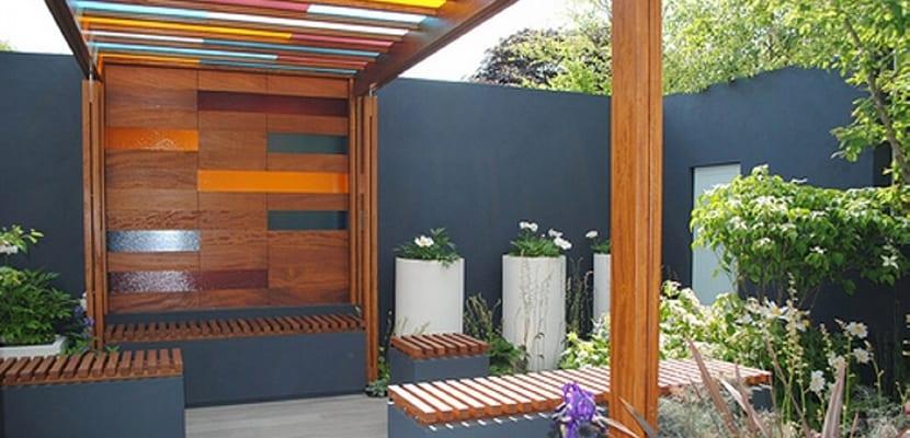 terraza con cristales de colores