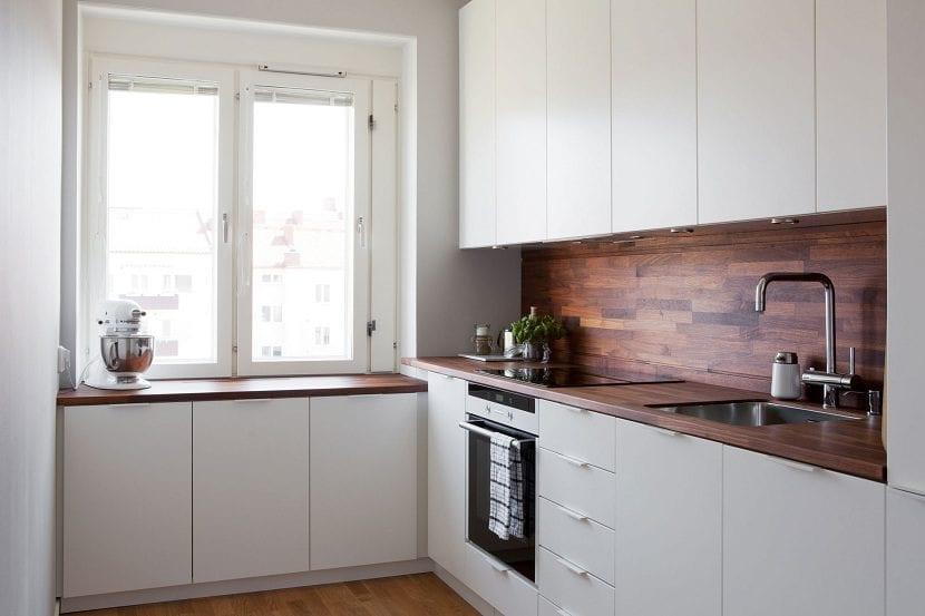 Pros y contras de las encimeras de madera for Cocinas esquineras