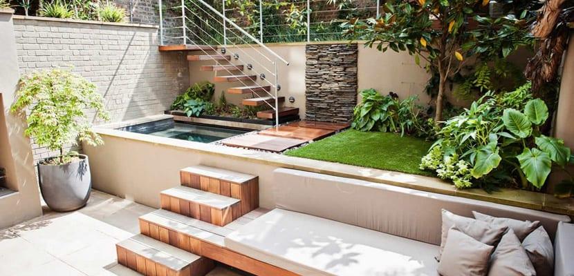 Piscinas elevadas en el exterior for Terrazas para piscinas elevadas