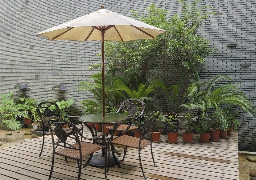 Consejos a la hora de decorar jardines peque os - Decoracion patios pequenos modernos ...