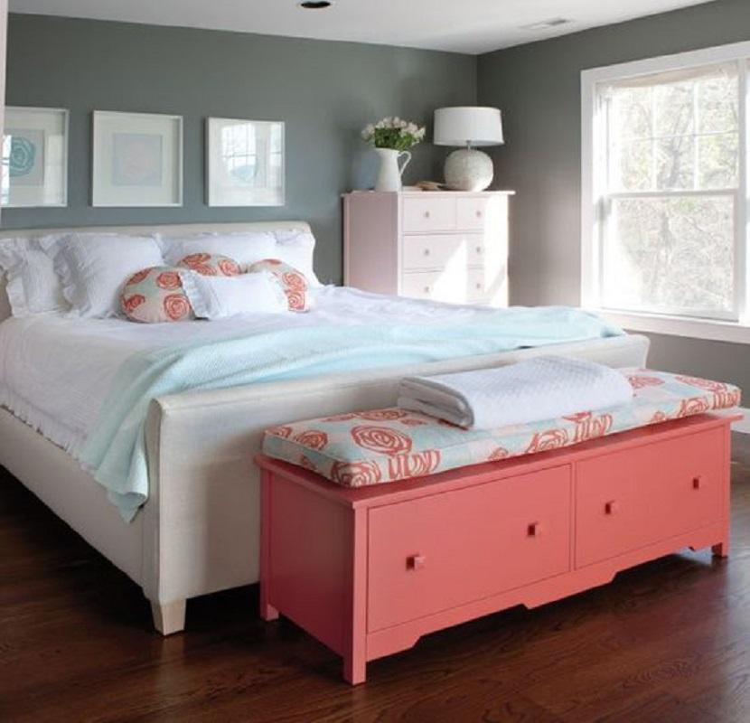 Banco pie de cama de colores