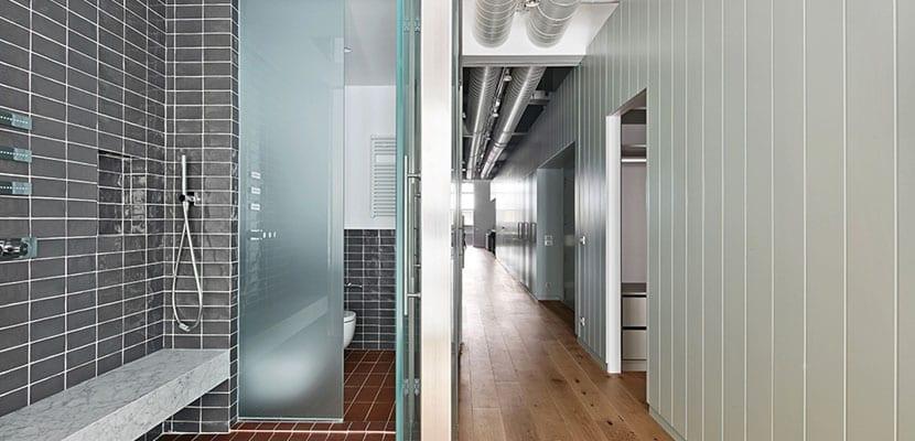 Oficina convertida en piso moderno