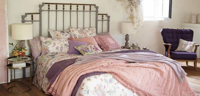 Ropa de cama en tonos rosas