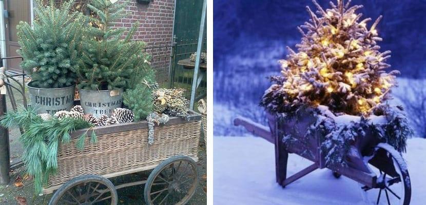 árbol de navidad en carro