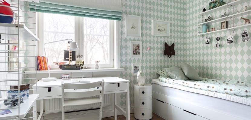 Dormitorios infantiles decorados con papel pintado