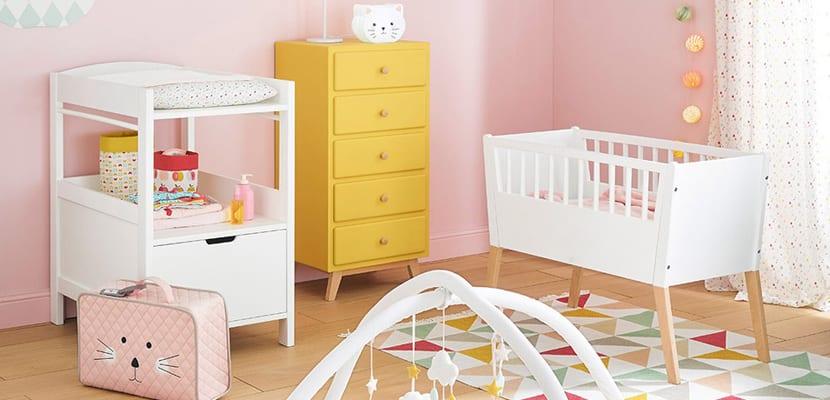 Habitación de bebé en rosa