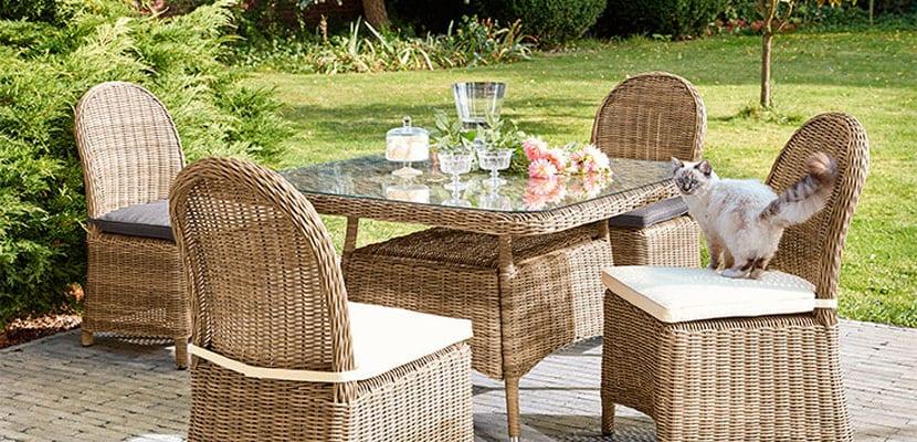 Muebles de mimbre para la terraza o jardín