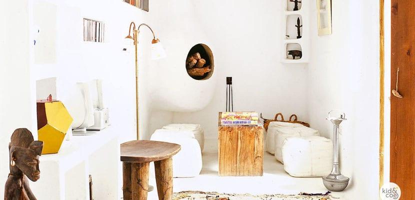 Sala en blanco y madera
