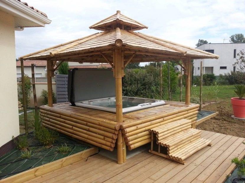 Ideas para instalar un jacuzzi en el exterior de tu hogar for Jacuzzi exterior madera
