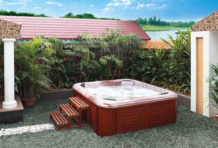 Ideas para instalar un jacuzzi en el exterior de tu hogar - Jacuzzi para terraza ...