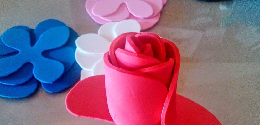 Cmo decorar con flores de goma eva