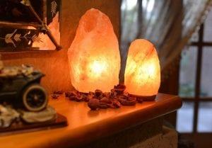 lámparas de sal en la decoración del hogar