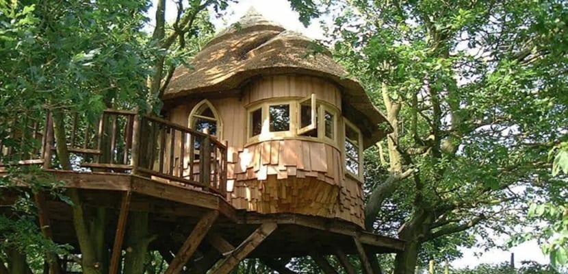 Caba as en los rboles aut nticas casas en las alturas - Casas en los arboles girona ...
