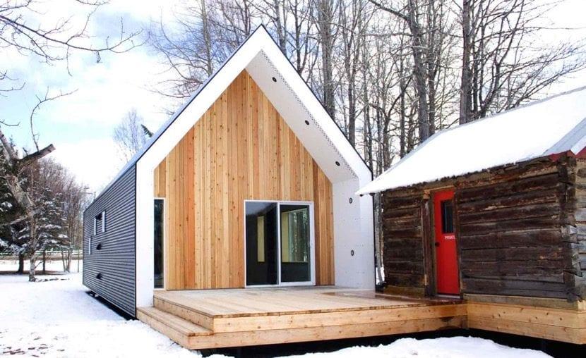 casa pequena en la nieve