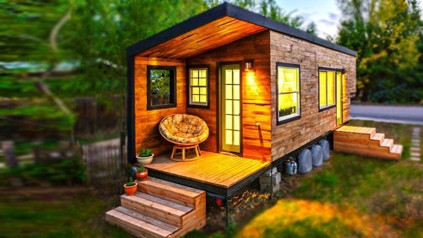 casa pequena con las luces encendidas