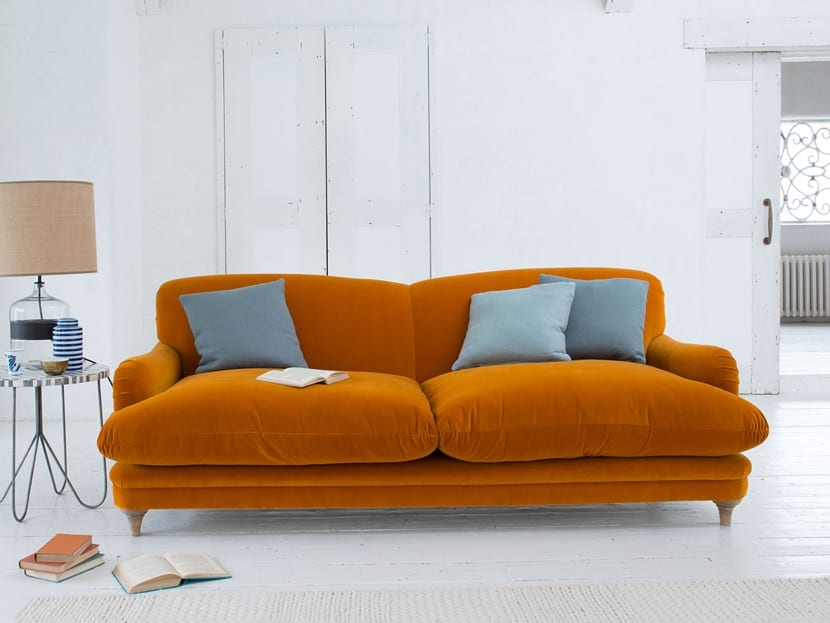 sofa terciopelo naranja