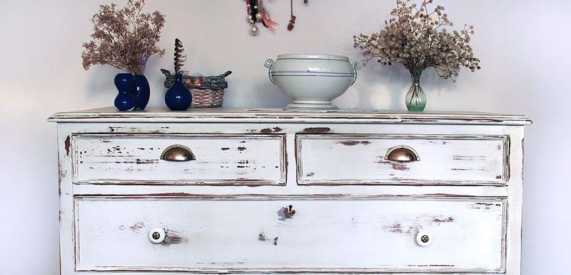 Descubre los pasos necesarios para envejecer madera - Pintar muebles viejos ...