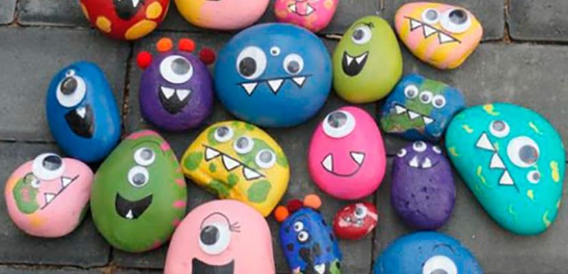 Piedras pintadas de monstruos