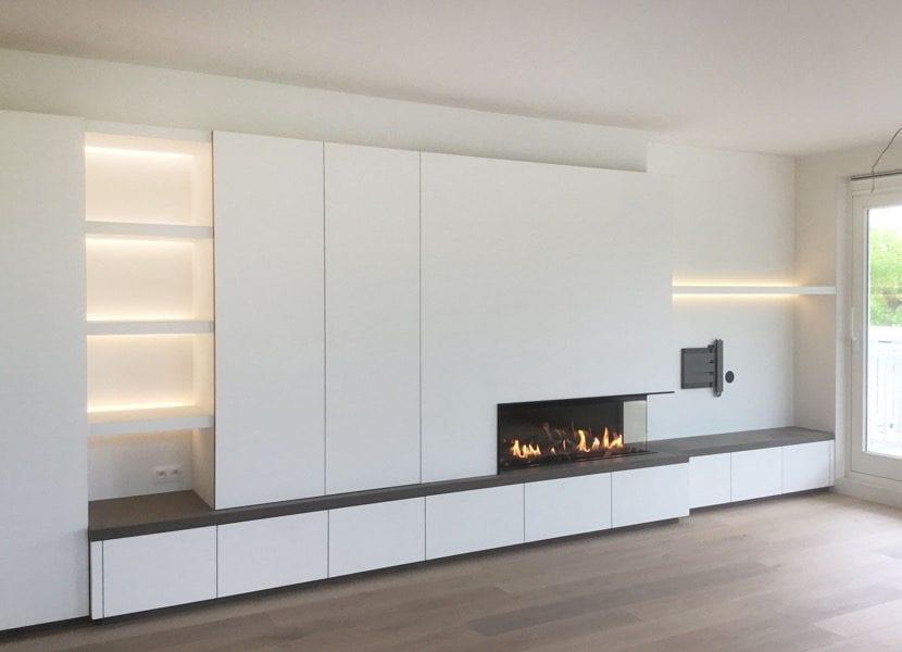 salon minimalista con estufa decorativa