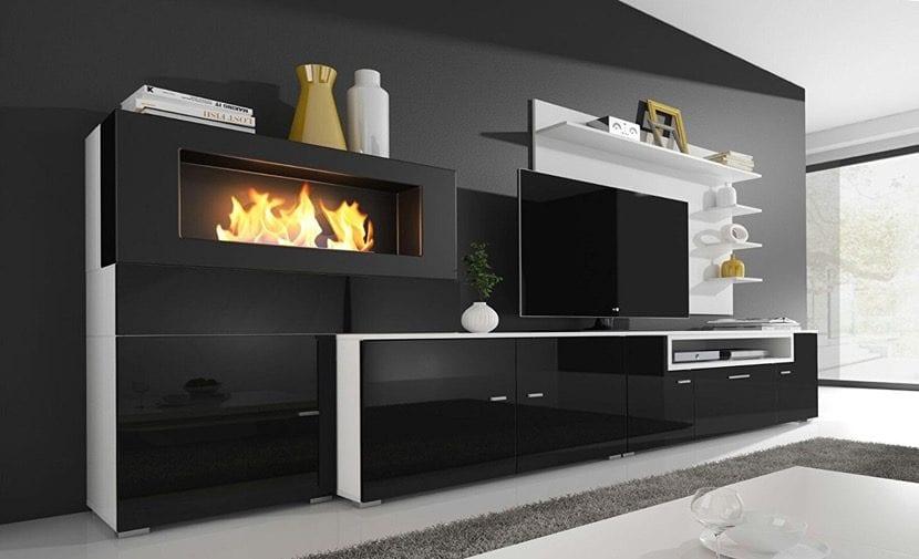 salon bonito con estufa decorativa