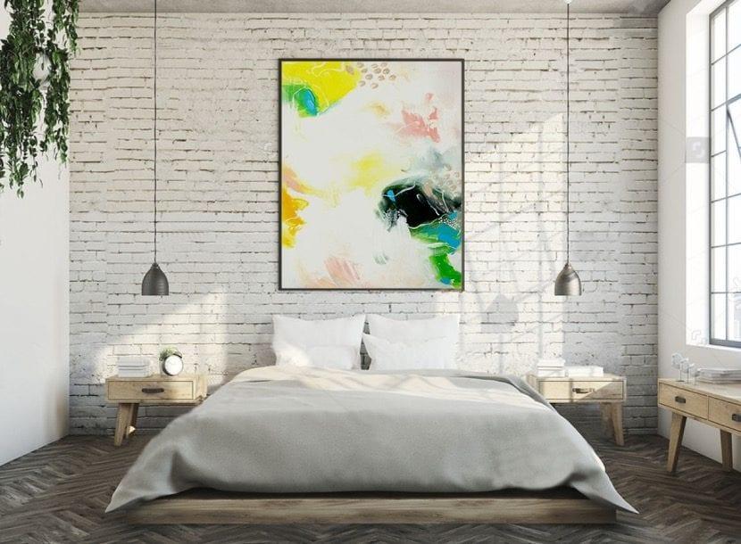 cuadro abstracto en dormitorio