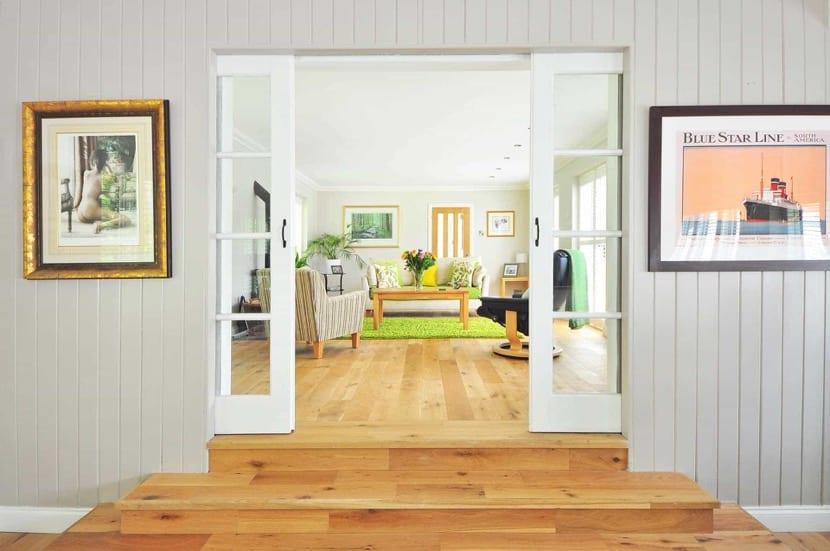 hogar relajado con colores y sonidos