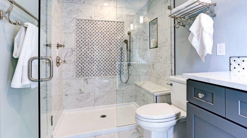 cuarto de baño limpio