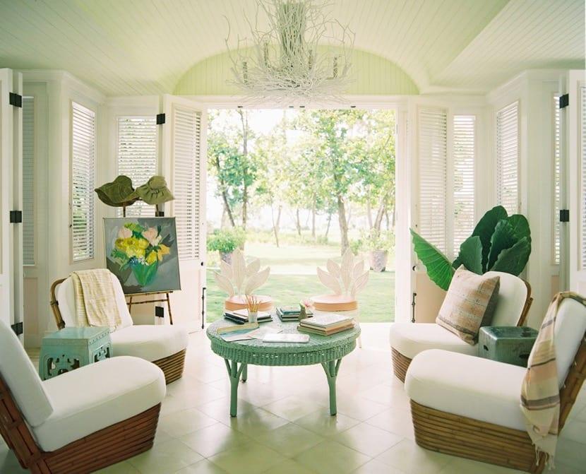 salon de jardin con muebles de ratan