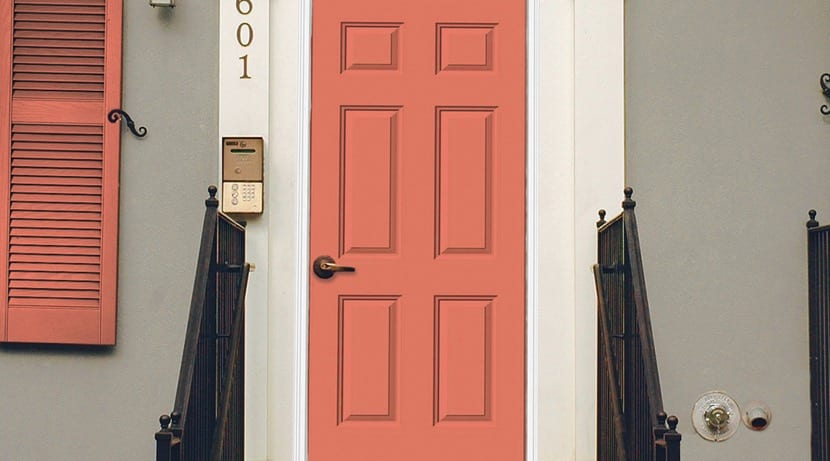 puerta de entrada color salmon
