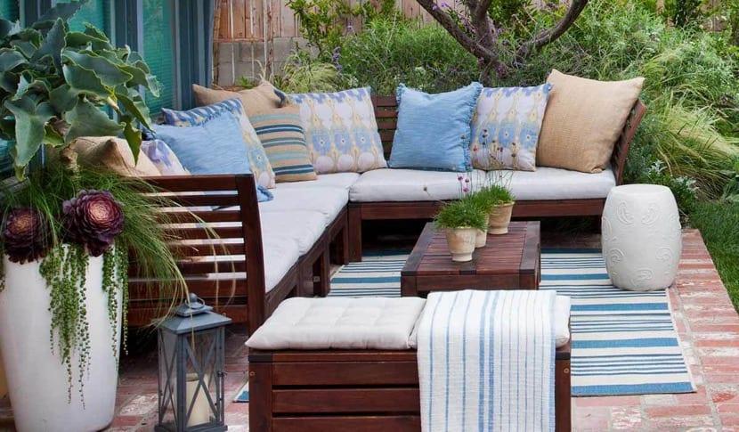 terraza chill out con alfombra