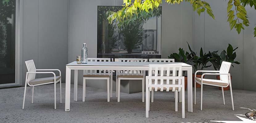 Muebles blancos de terraza