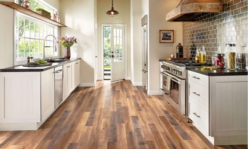 suelo de cocina de madera