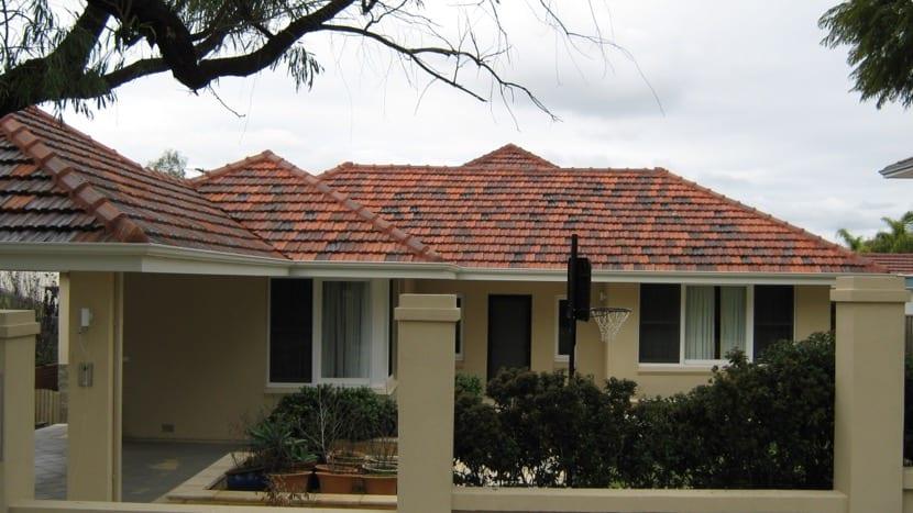 arreglar el tejado de una casa